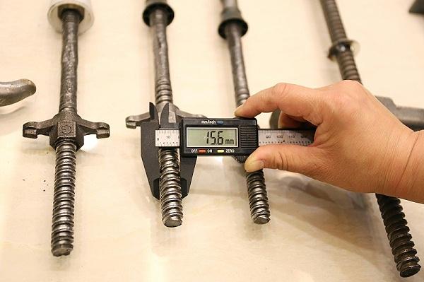 止水螺杆测量图